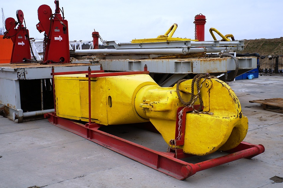 Natural gas extraction equipment